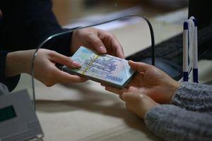 Tăng trưởng tín dụng giảm tốc, ngân hàng khó nâng hạn mức cho vay
