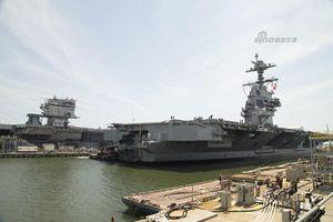 So độ 'khủng' hai tàu sân bay Mỹ cách nhau nửa thế kỷ