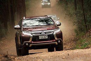 Mitsubishi Pajero Sport miễn thuế về Việt Nam đấu Toyota Fortuner