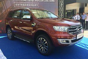 Cận cảnh Ford Everest 2018 giá từ 850 triệu tại Việt Nam