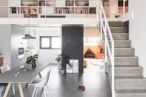 Nhà 2 tầng của cặp vợ chồng trẻ với kiến trúc thông minh 'vạn người mê'