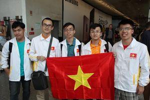 Trần Đức Huy – Amser lập cú đúp huy chương vàng Olympic Vật lý