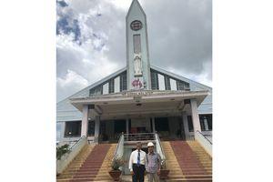 'Thần đèn' nâng tòa nhà thờ giáo xứ nặng hơn 5.500 tấn lên cao 2 mét