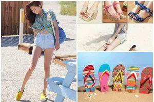 Những kiểu giày dép bạn nhất định nên mang theo khi đi biển