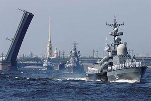 Hoành tráng lễ duyệt binh kỷ niệm Ngày Hải quân Nga