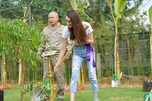 Thí sinh Hoa hậu đại sứ du lịch Thế giới trồng cây sinh thái, kêu gọi bảo vệ môi trường