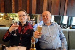 Anh nghi ông Skripal bị đầu độc bởi 2 nhóm sát thủ Nga