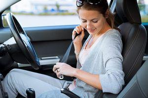 Thắt dây an toàn trên ôtô quan trọng thế nào?