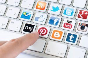 Chuyện phiếm mạng xã hội
