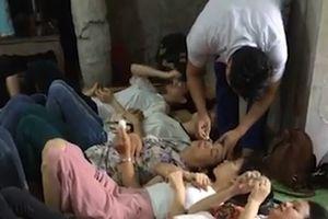 Bệnh nhân hoang mang với thuốc nhỏ mắt chữa cận thị, loạn thị, viễn thị… của 'siêu thầy lang' ở Hà Nội