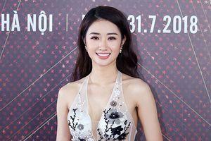 Hoa hậu Thu Ngân khoe vóc dáng 'vạn người mê' tại sự kiện