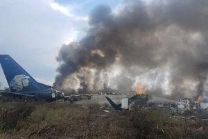 Máy bay hành khách chở hơn 100 người rơi ở Mexico