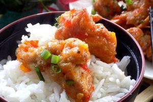 Cách làm gà xốt tương ớt chua ngọt lạ miệng, thơm ngon