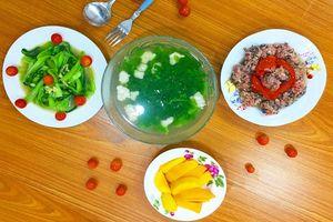 Mâm cơm vừa lạ vừa quen khiến cả gia đình thích mê ăn hoài không chán