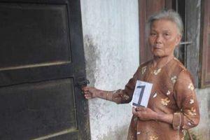 Bà lão 70 tuổi thường xuyên 'quen tay' trộm cắp