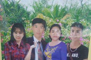 Bức ảnh gia đình phiên bản 'đầu to chân ngắn' do thợ làm ảnh dạo thực hiện khiến dân mạng cười ngất