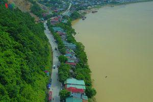 'Hà bá' sông Đà nuốt nhà dân: Do xả lũ, mưa dài ngày hay cát tặc?