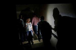Venezuela vật vã với tình trạng thiếu điện thắp sáng và chống nóng