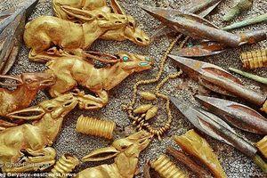 Lóa mắt kho báu 3.000 cổ vật bằng vàng giấu kín trong mộ cổ