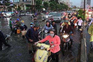 Vì sao cùng bị ngập nước, xe tay ga lại nguy hiểm hơn xe số?