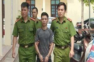 Kẻ cầm đầu nhóm bảo kê máy gặt ném 'bom xăng' chống trả cảnh sát