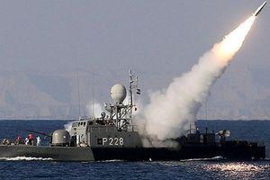 Iran phong tỏa eo Hormuz: Con bài 'đồng quy vu tận'