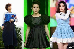 Giật mình vì BIGBANG, DBSK, NCT, Red Velvet, T-Ara… cũng có những lúc ăn mặc dị đến khó hiểu