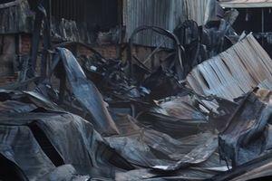 Cháy lớn công ty hóa chất ở Bình Dương