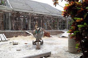Ngôi đình gỗ 300 tuổi bị 'bức tử' bằng bê tông hóa