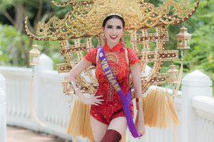 Phan Thị Mơ diện trang phục dân tộc 15kg lấy ý tưởng từ Chùa Một Cột