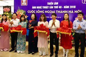 Trưng bày 139 tác phẩm ảnh về cuộc sống ngoại thành Hà Nội