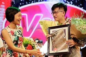 Nam sinh trường THPT Việt Đức giành giải Nhất cuộc thi Voice Up