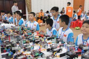 Gần 150 học sinh xuất sắc tham gia cuộc thi Tài năng robot IYRC Việt Nam 2018