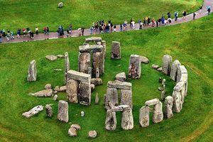 Phát hiện bất ngờ về bãi đá cổ Stonehenge 5.000 năm ở Anh