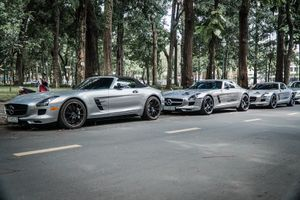 Bộ ba Mercedes SLS AMG giá hàng chục tỷ đồng tại Việt Nam