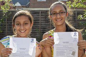 Cặp song sinh 11 tuổi cùng có IQ 162 cao hơn Einstein
