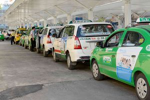 Thí điểm 5 điểm đón taxi tại trung tâm TP.HCM