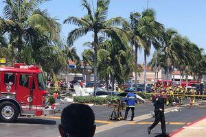 Máy bay rơi gần trung tâm mua sắm ở California, 5 người thiệt mạng