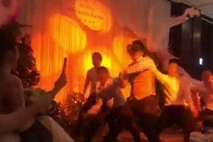 Con rể NSND Hồng Vân cuồng nhiệt nhảy tặng vợ trong lễ cưới