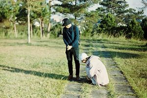 Chỉ vì chụp ảnh cưới bằng phim quá giản dị, lại còn 'cười toe toét', cặp đôi này đã suýt bị bố mẹ giận