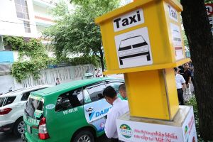 TPHCM: Quận 1 thí điểm 5 vị trí đón taxi