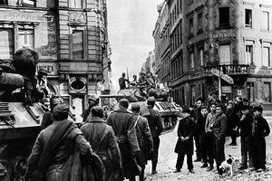 Lối về nào cho những người lính Đức thời hậu chiến