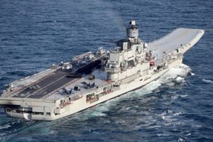 Tàu Đô đốc Kuznetsov khoe khiên giáo khi trở lại