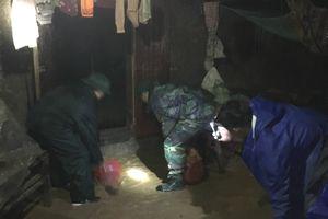 Giúp dân chạy lũ trong đêm