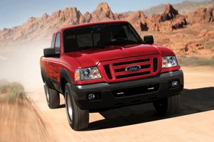 Ford trả 1.000 USD cho mỗi chiếc Ranger 2006 đến sửa túi khí