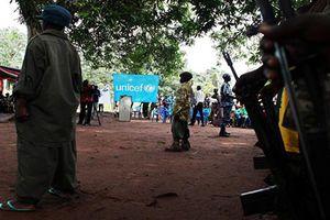 Lạ lùng 'lễ giải ngũ' cho hàng ngàn binh sĩ nhí Nam Sudan