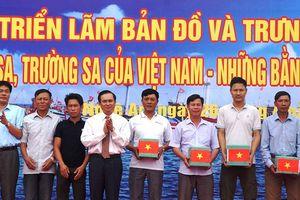 Tổ chức nhiều cuộc triển lãm bản đồ 'Hoàng Sa- Trường Sa của Việt Nam