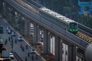 Ảnh: Tàu đường sắt trên cao lăn bánh qua các tuyến phố Hà Nội