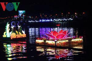 Độc đáo đêm hội Đêm hoa đăng Ninh Kiều lần 2