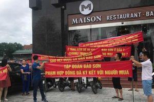 Chung cư Bảo Sơn vi phạm hợp đồng, dân căng băng rôn phản đối
